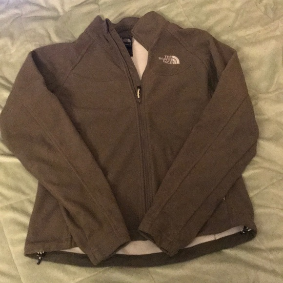 4ca35bac8 North Face • Windwall jacket